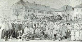 http://cledar.ch/2009/glacieres-ouvriers-min.jpg